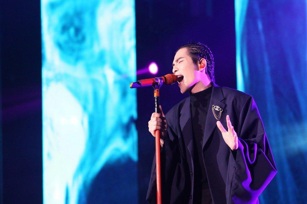 老蕭今晚於大馬開唱虧粉絲遲到,反被粉絲吐槽是「雨神誤事」。圖/華納音樂提供