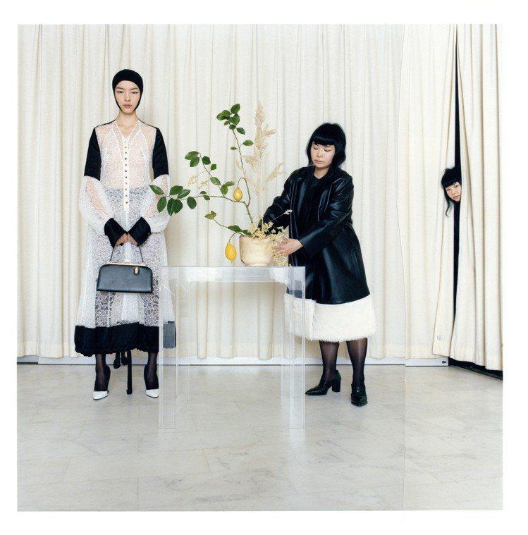 以孫菲菲為主角,攝影師Fumiko Imano以其「偽孿生」的經典風格出現畫報中...