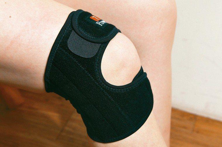 髕股釋壓型護膝(開洞型護膝) 記者蘇健忠/攝影