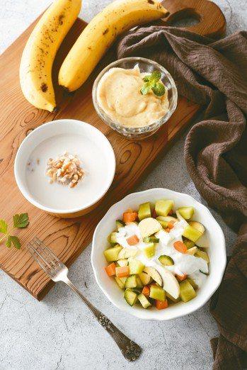 早餐 大麥薏仁粥、哈密瓜沙拉、香蕉冰淇淋 照片/帕斯頓提供