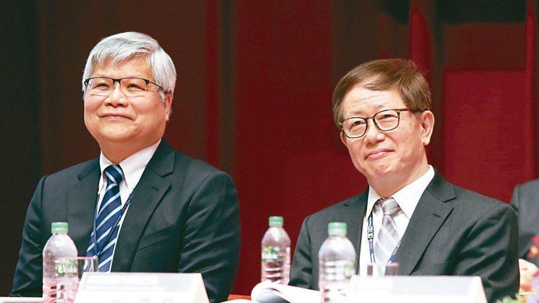 台積電總裁魏哲家(左起)、董事長劉德音。 本報資料照片