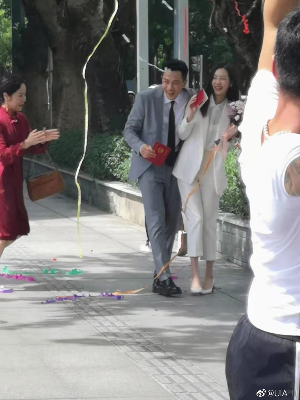 網友目擊到劉愷威與陳都靈在拍戲。 圖/擷自微博