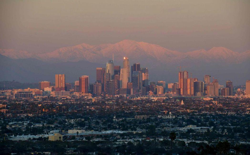 聖安地列斯斷層穿過人口密集的洛杉磯。圖為洛杉磯天際線。(法新社)