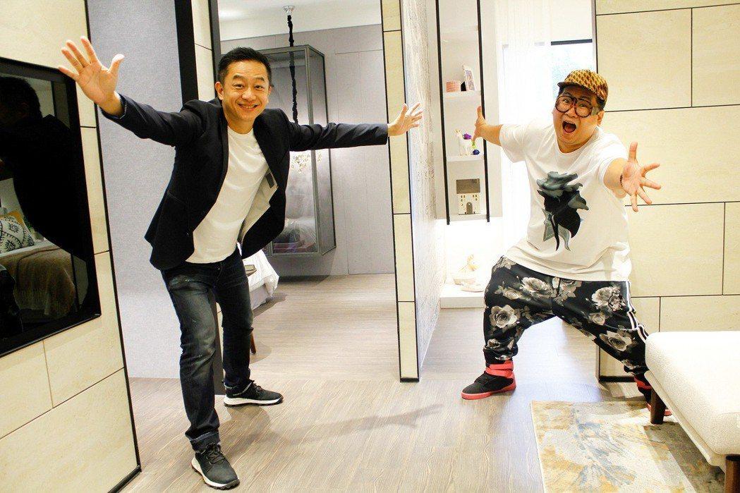 陳昭榮(左)與爆爆南下高雄直播賣房產。圖/翰成數位直播提供