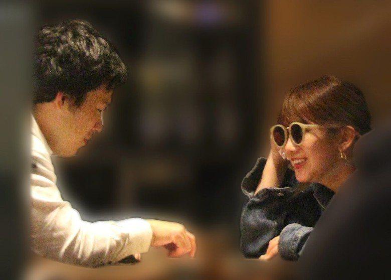 岡井千聖與三谷龍生約會被拍。圖/摘自週刊文春