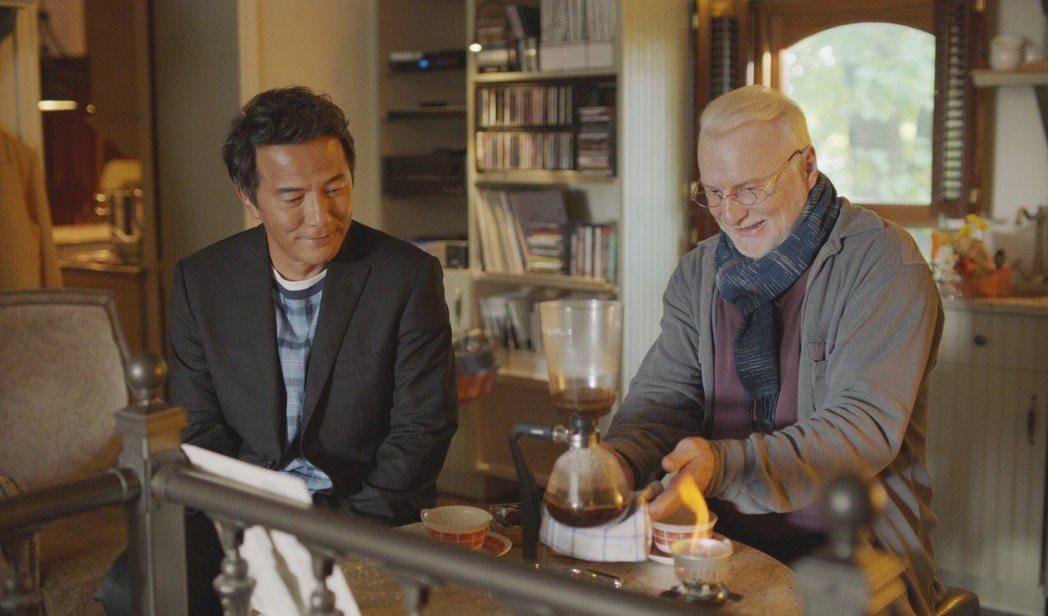 戴立忍赴加拿大拍片與演過「神鬼交鋒」的弗朗索瓦布蘭查德(右)有對手戲。圖/氧氣提...