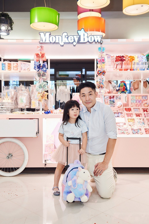 藍鈞天和3 歲女兒Riley Blair出席自創品牌活動。圖/BEBLE 提供