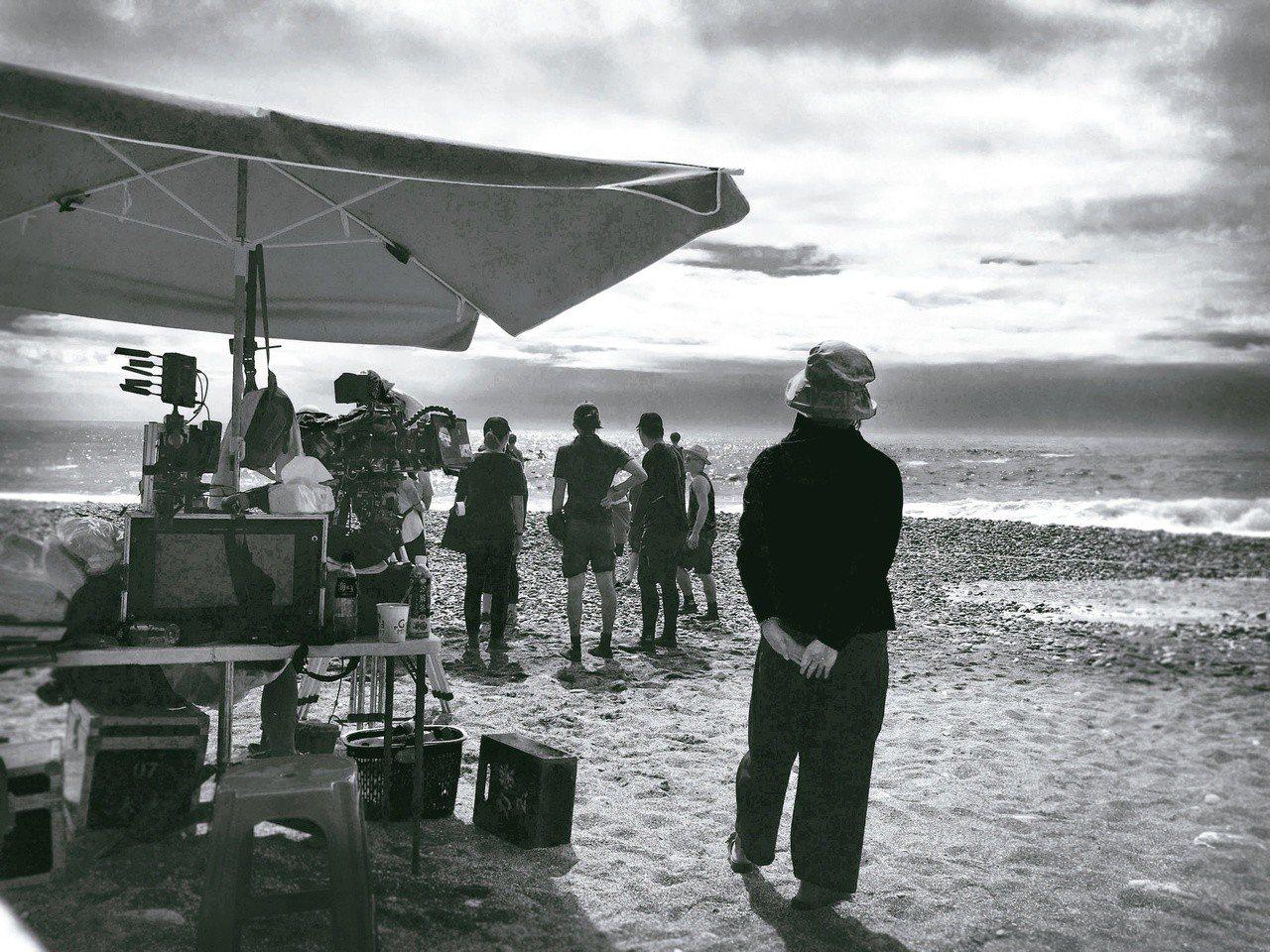 《亡命之途》花蓮拍攝現場,神奇的日本助理「蚵仔煎」。 周震/攝影