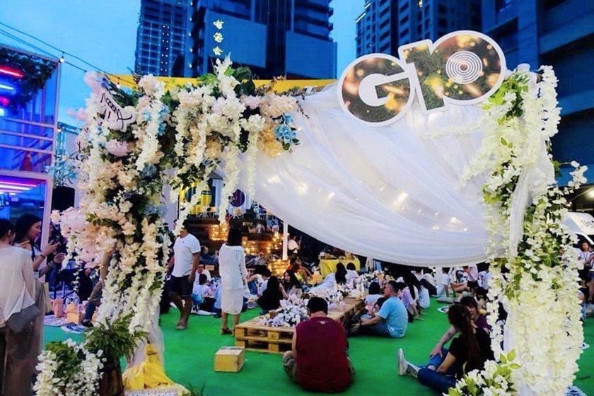 G10貨櫃市集「夏日微醺草地音樂派對」,吸引上百位民眾參加。 主辦單位/提供