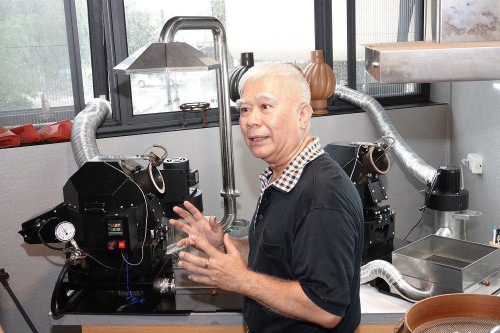 台灣陶甕咖啡創始店老闆吳永海。 張傑/攝影