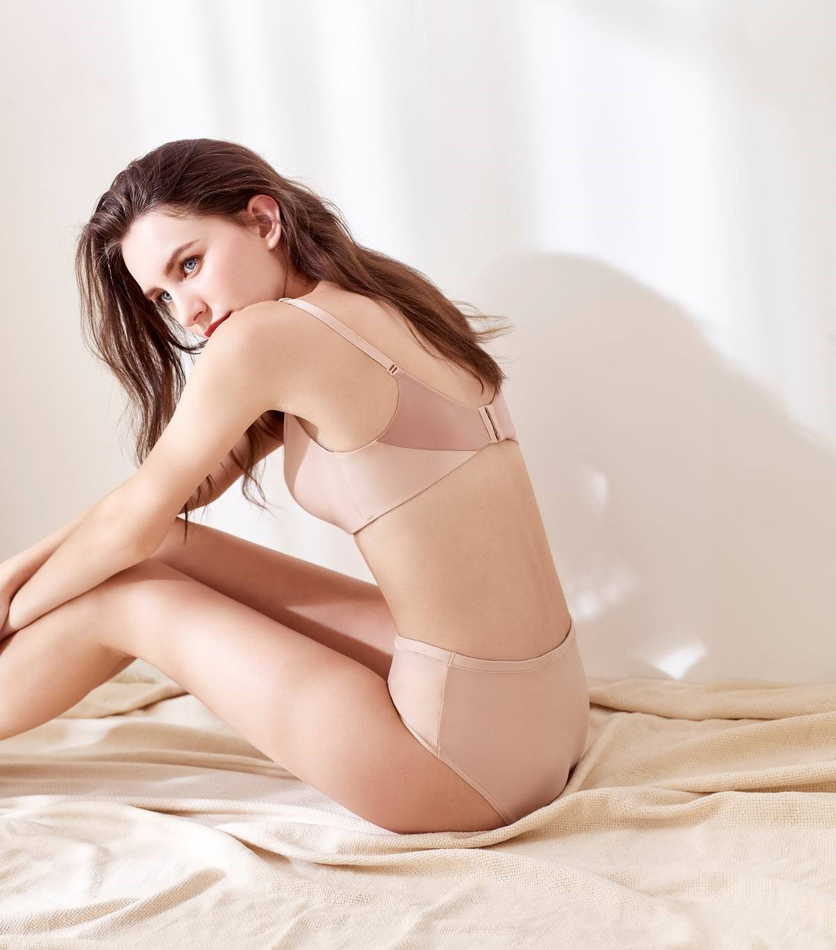 黛安芬全新自在系列親膚無痕無鋼圈內衣。圖/黛安芬提供