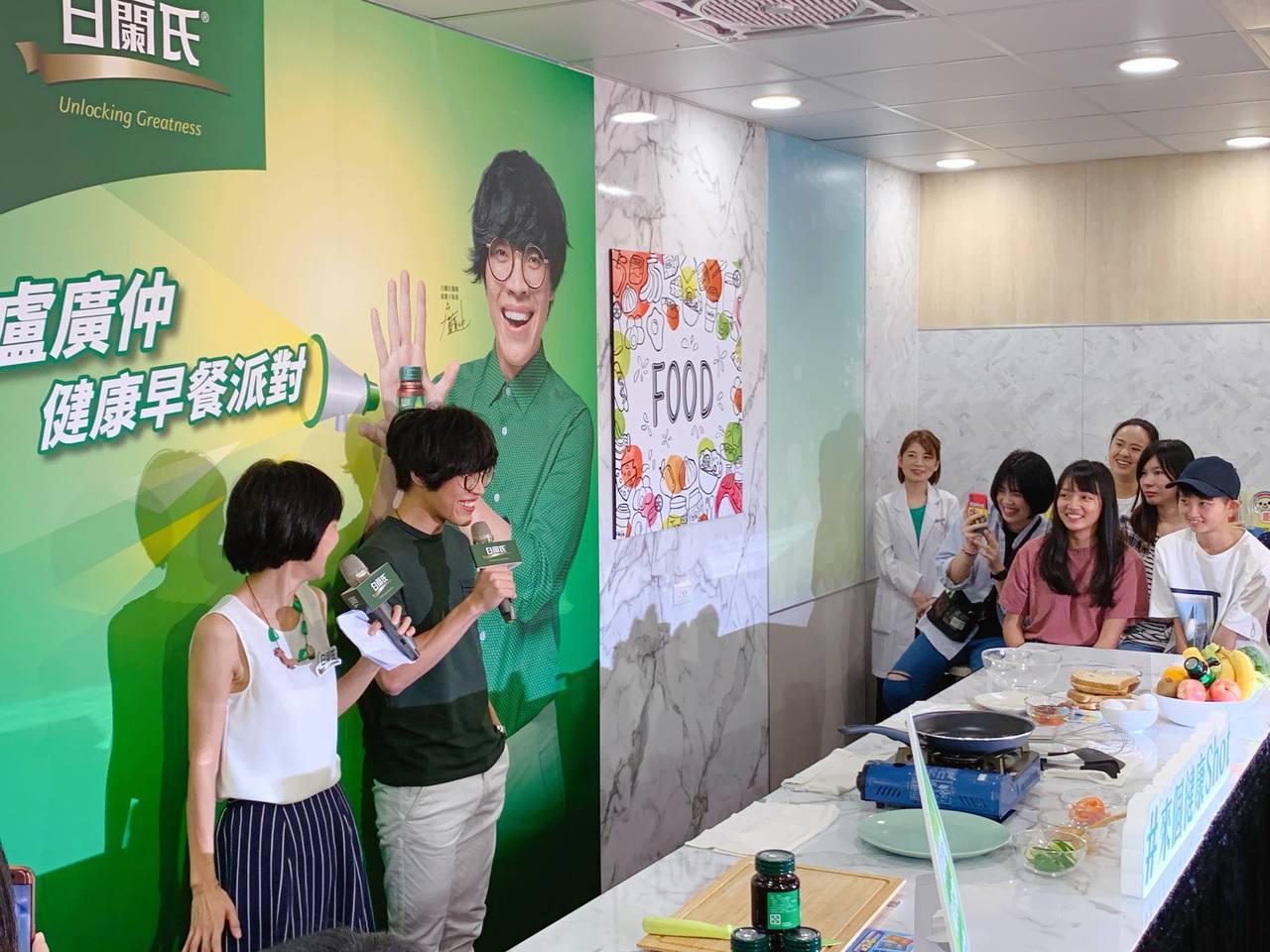 盧廣仲化身小隊長,為消費者健康把關。記者徐力剛╱攝影
