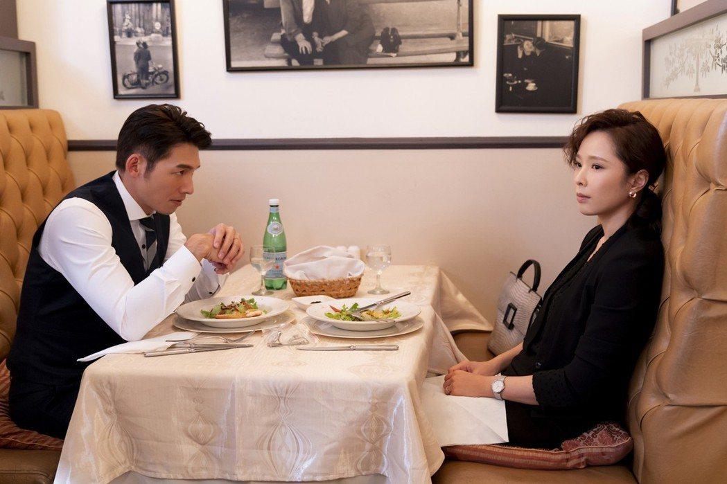 天心(右)、溫昇豪在戲中為小三事攤牌。圖/華視提供