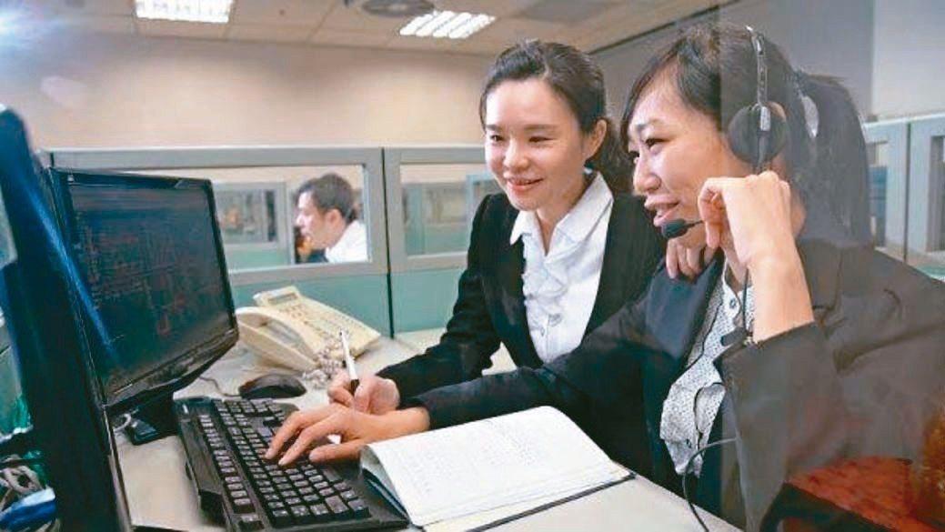 富邦「特選大蘋果報酬指數」ETN,連結台灣指數公司編製的「特選大蘋果報酬指數」。...