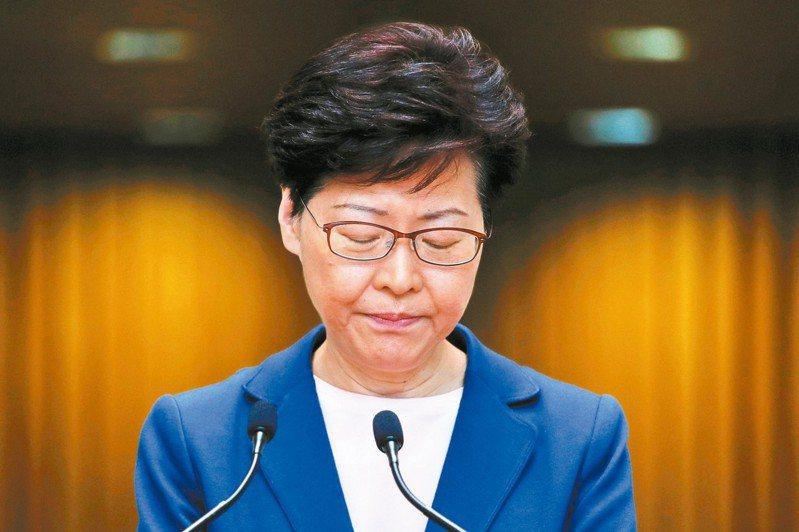 香港特首林鄭月娥上午宣布「逃犯條例」修訂工作壽終正寢。 路透