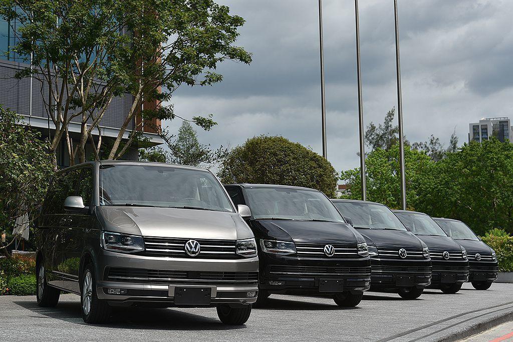 福斯商旅Multivan全車系標配DCC主動式懸吊控制、ACC主動式車距調節巡航...