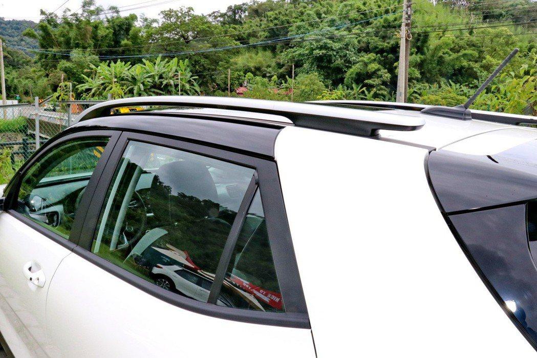 與車身同色的C柱設計。 記者陳威任/攝影