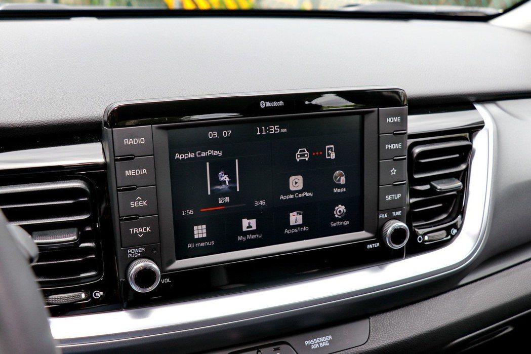 全車系標配7吋多媒體影音觸控系統。 記者陳威任/攝影