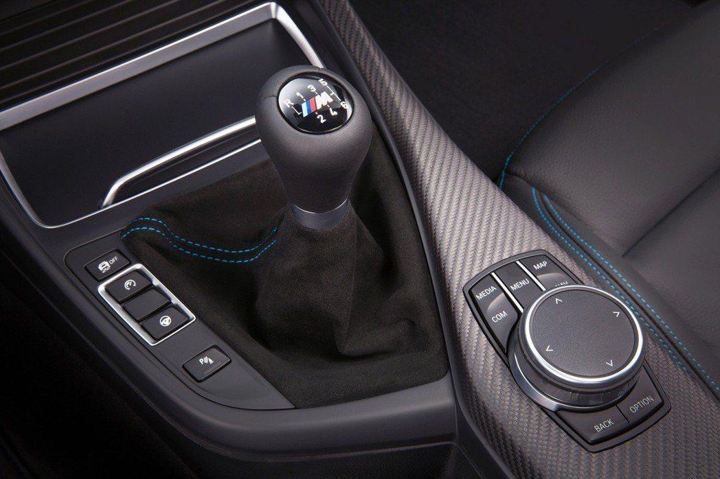 採用6速手排變速箱,滿足愛車迷自在控制換檔的渴望。 圖/汎德提供