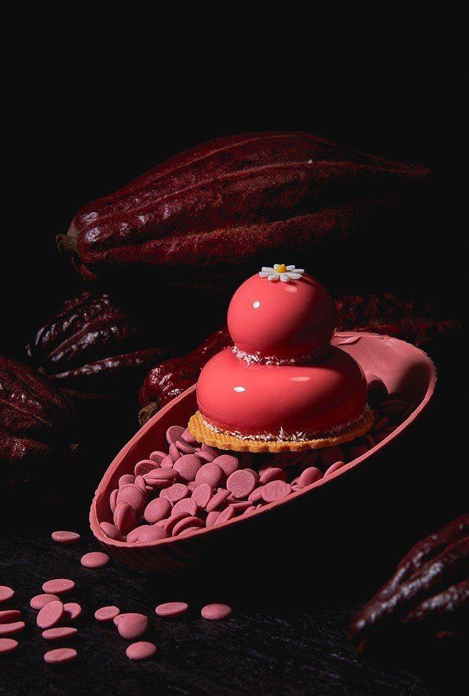 「愛情之石」讓紅寶石巧克力變身精品。圖/香格里拉台南遠東飯店提供