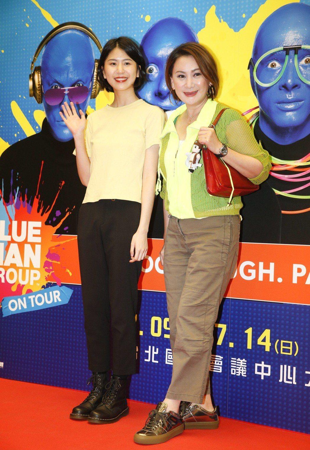 陳亞蘭(右)與龍劭華的女兒陳璇。記者鄭超文/攝影