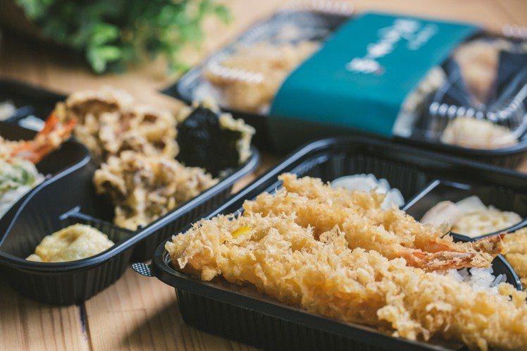 金子半之助推出一系列270~490元的天丼便當,其中嫩雞海老天丼便當還有團購優惠...