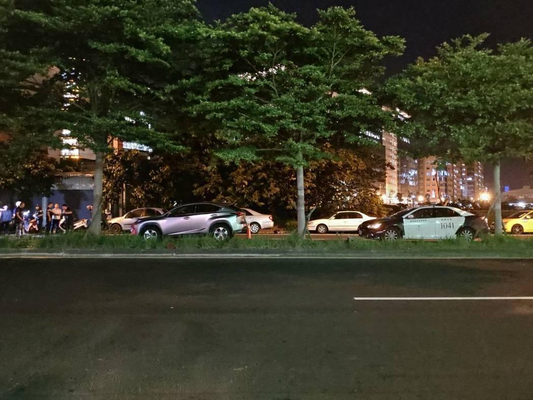 新竹莊姓女子今天晚間在新竹縣新豐鄉看到一台尚未熄火的車子,她突然起歹念,偷偷將車...