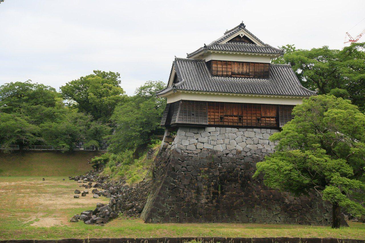 熊本城因為熊本大地震,許多城內建築遭到損壞,目前正逐步修復中。 記者魏妤庭/攝影