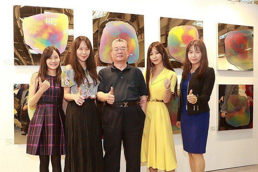 藝術家李善單+瑪馨玲月,7月18日受邀於全球頂級建築事務所美國Gensler上海...