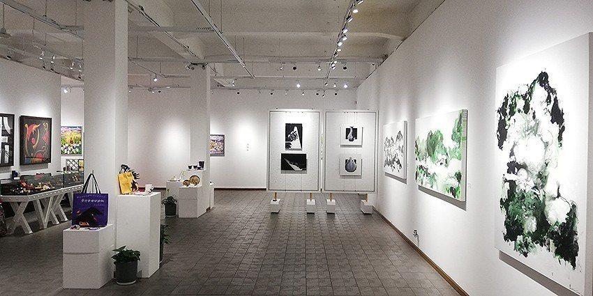 《明鏡‧印象》系列在上海舉行雙展,於Gensler上海總部和上海M50藝術區寶勝...