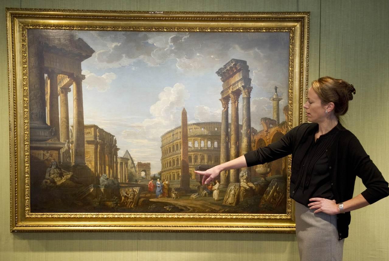 法國艾麗榭宮已有破千件藝術品失竊,包含義大利畫家帕尼尼的畫作。右圖為佳士得201...