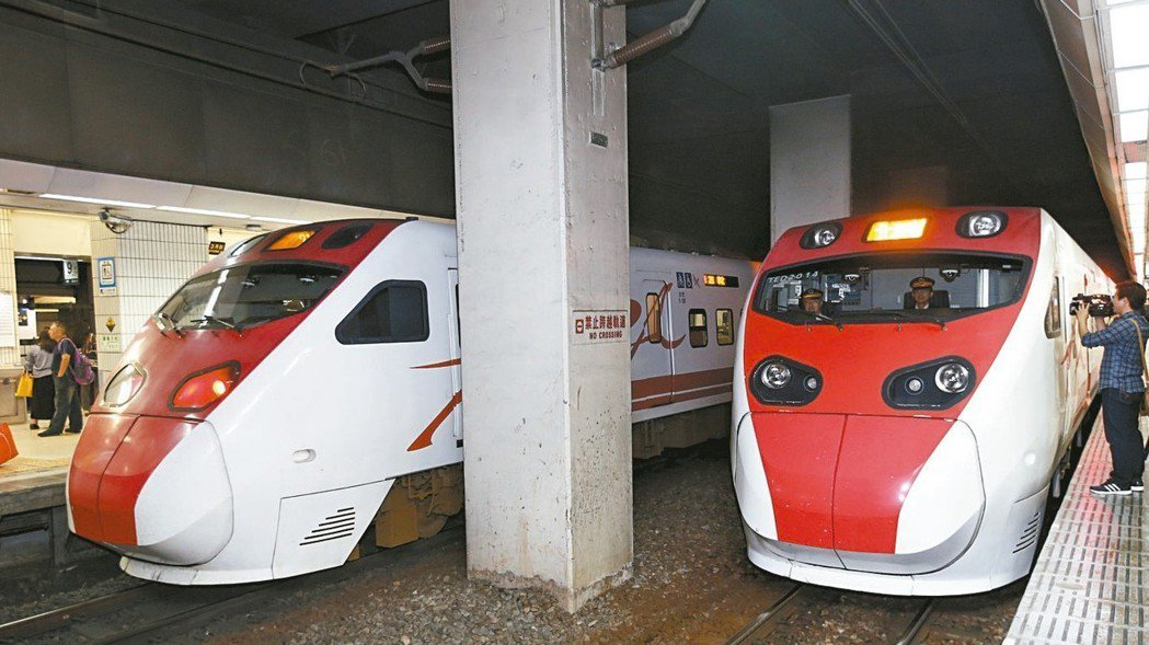 台鐵局原預計8月初取消普悠瑪號、太魯閣號白天雙人乘務制度,交通部長林佳龍急喊卡。...
