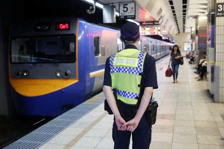 本月3日發生鐵路刺警案後,車站見警率大增。 圖/聯合報系資料照