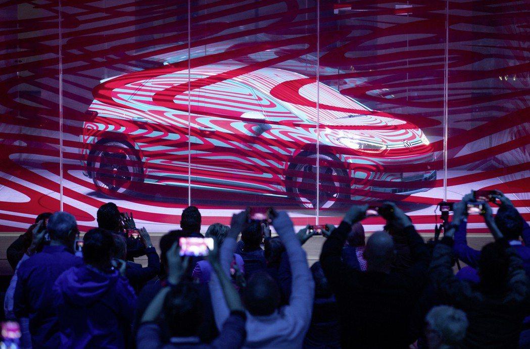 首款量產電動車ID.3預接單首週即衝破15,000張訂單。 圖/Volkswag...