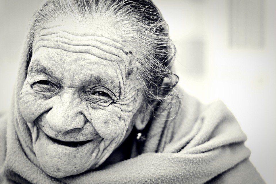 既然人到最後會活得這麼有個性,那何不從年輕的時候就好好珍惜自己獨特的個性呢?...