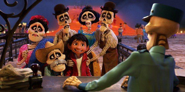 《可可夜總會》中也是以墨西哥亡靈節為故事藍本。圖/ imdb,女子學提供