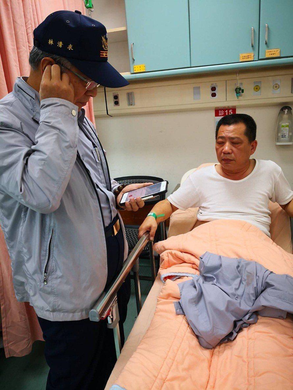 台南市楠西分駐所前所長王者音去年12月遭陳嫌開槍身中三槍,幸好他穿防彈衣及小神補...