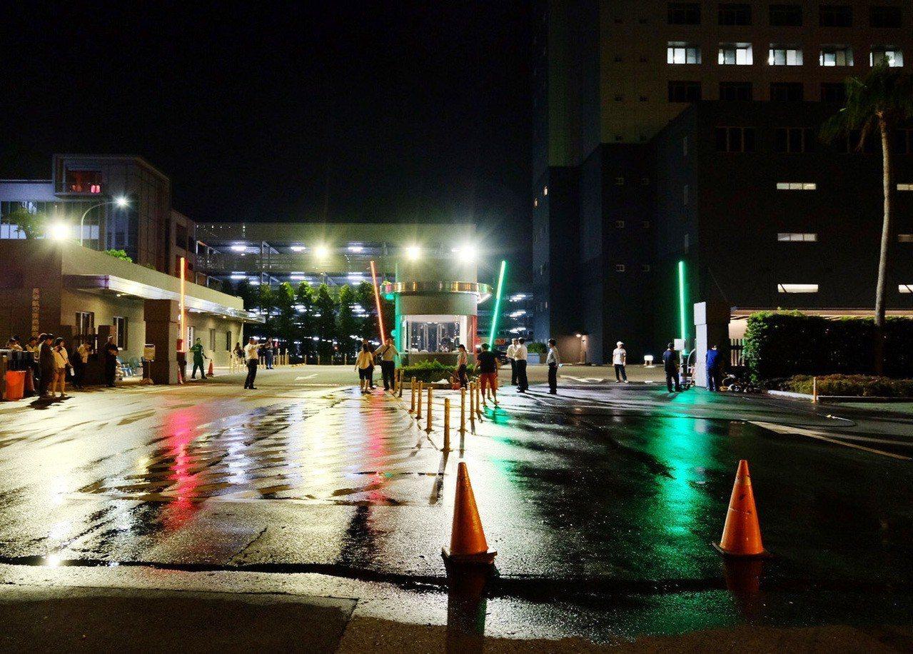長榮空服員罷工結束、南崁罷工棚昨天午夜前全部拆掉,桃園市空服員職業工會撤離,罷工...
