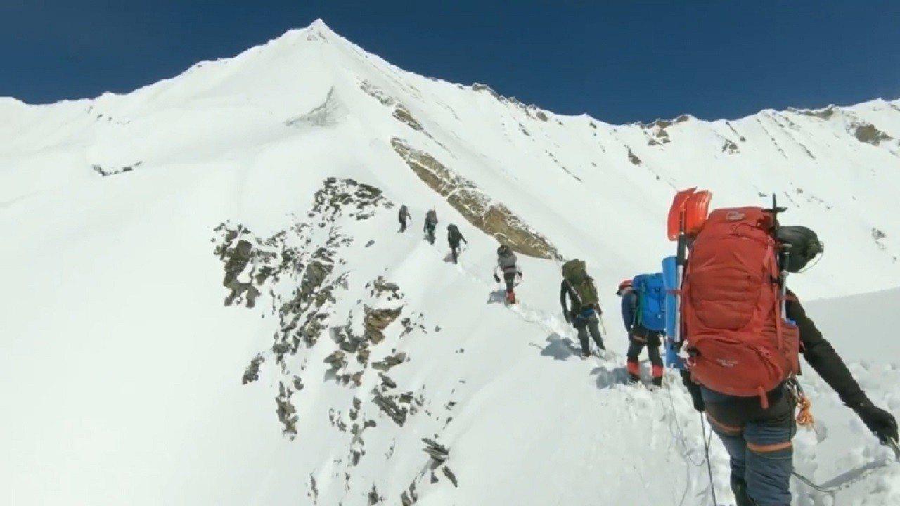 一支準備攀爬印度第二高峰楠達德維山的8人國際登山隊5月底斷絕音訊,隨後證實全體遇...