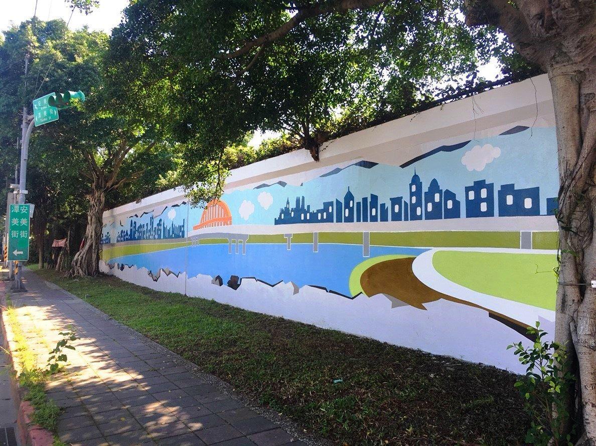 台北市水利處於潭美街、安美街施作堤壁彩繪,已於近期完工。圖/台北市水利處提供