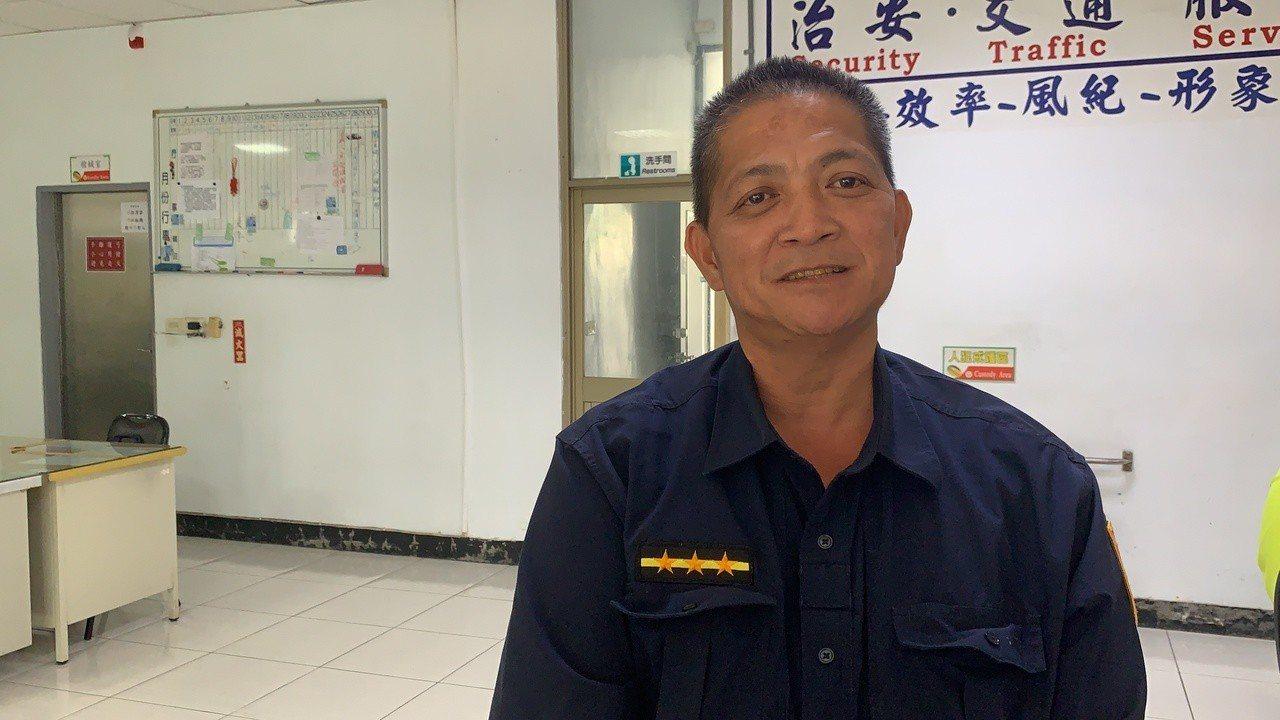 台南市楠西分駐所警員顏進財回想遭槍擊,仍心有餘悸。記者吳淑玲/攝影