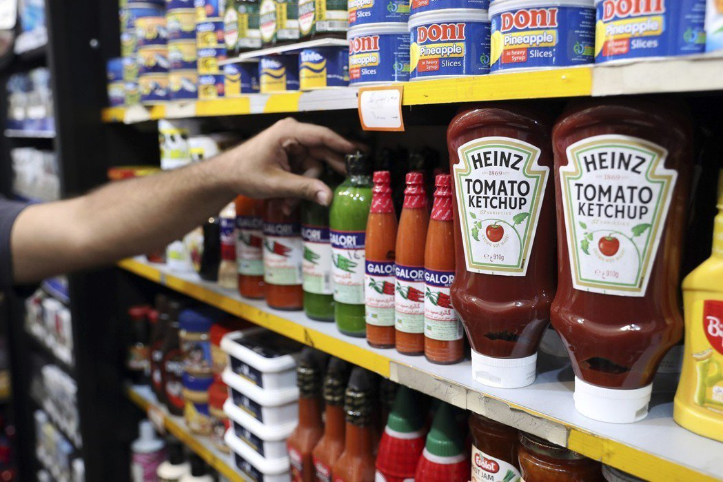 亨氏番茄醬也是進駐伊朗人生活的品牌之一,在德黑蘭無論是高級餐廳還是街邊小店都隨處...