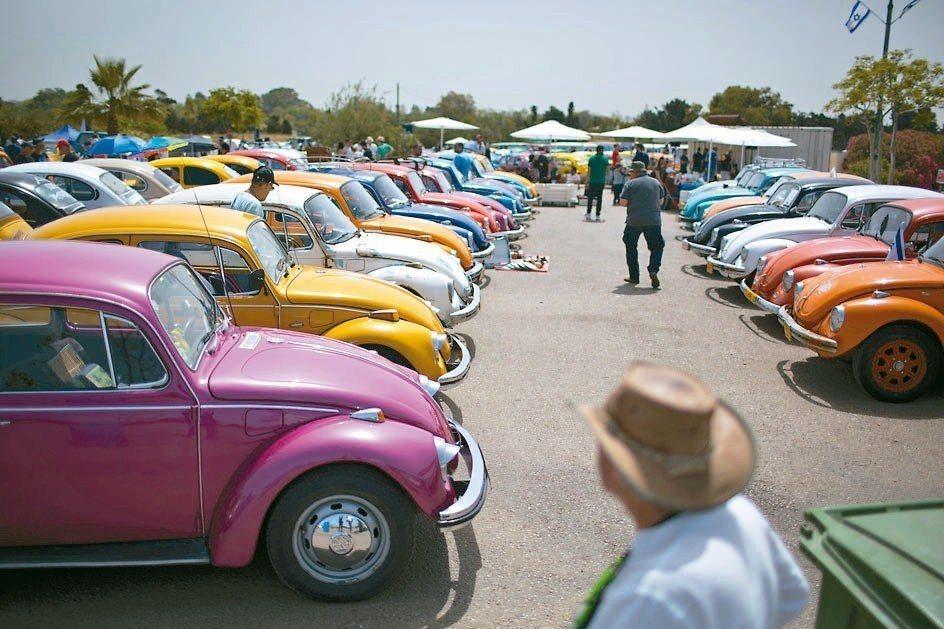 福斯經典車款金龜車80年的風華走入歷史。 美聯社