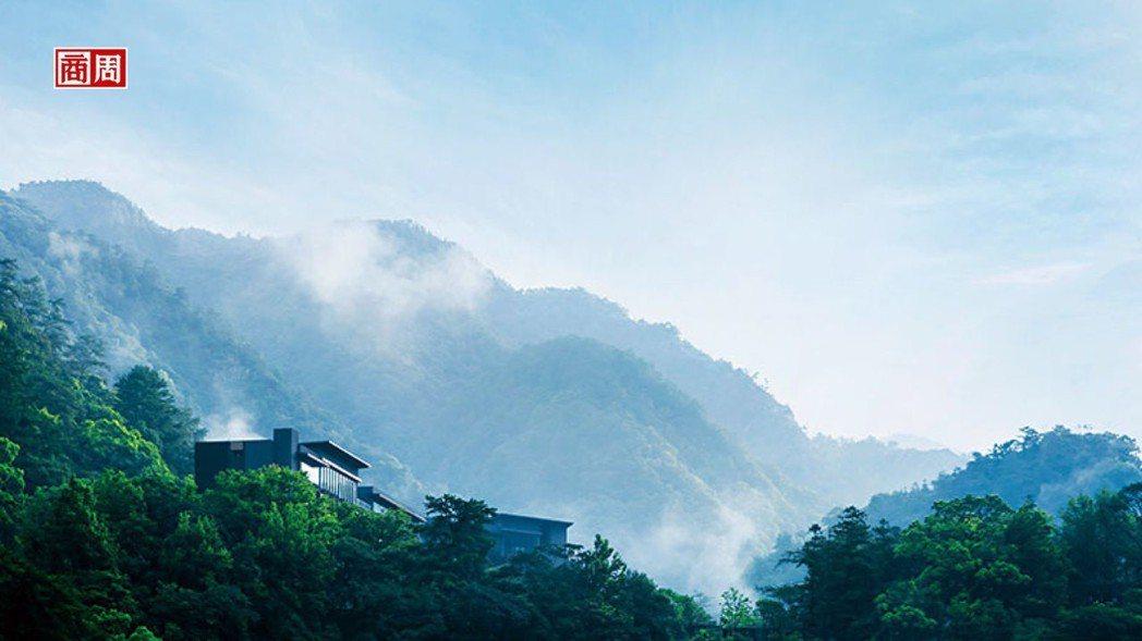 坐落於谷關山景,虹夕諾雅谷關雲霧繚繞。 虹夕諾雅谷關提供