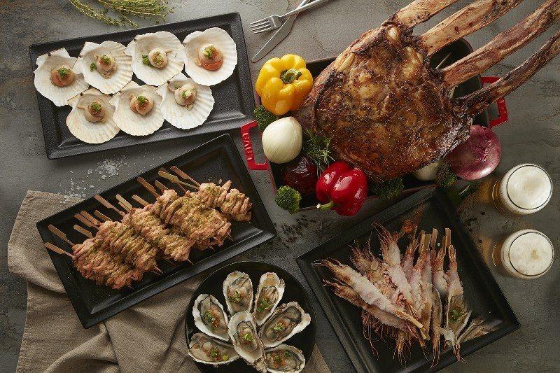 國泰萬怡自助餐廳的「夏日燒烤宴」,戰斧牛、肋眼牛排、天使紅蝦、明太子雞肉串、蒲鰻...