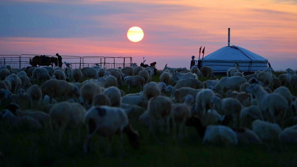 對蒙古的印象,不外乎就是歷史上的成吉思汗,以及風吹草低見牛羊的畫面。新華社