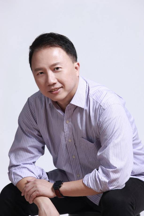 楊俊元於2018年任職東森購物電子商務事業部營運長,在電子商務業務模式建立貢獻良...