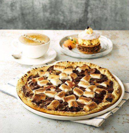 南京店「烤棉花糖香蕉巧克力Pizza」。
