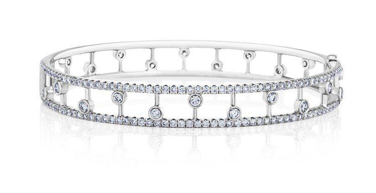 De Beers Dewdrop 18K白金鑽石手環,約33萬6,000元。 圖...