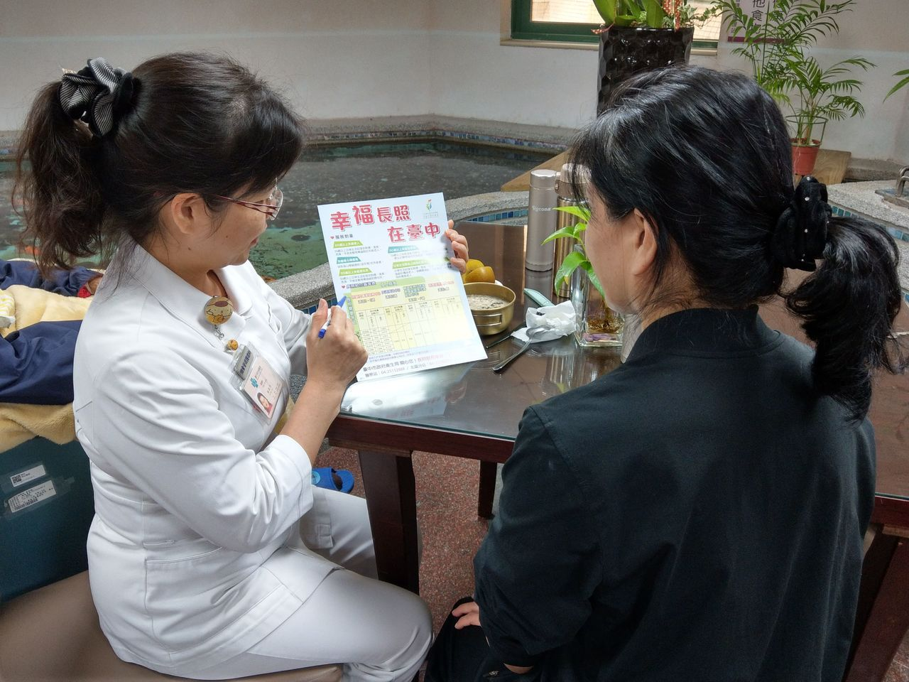 台中榮總說明,院方在病患住院後,啟動出院準備評估,協助病患及家屬在出院後,銜接政...